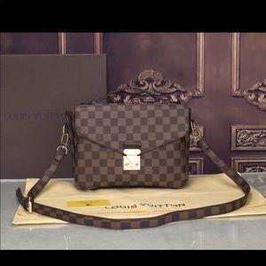 Louis Vuitton pochette Métis bag